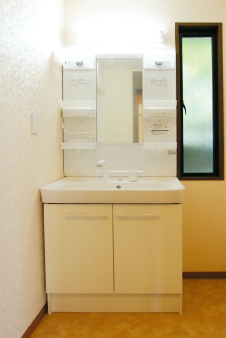 東栄フルリフォーム住宅 洗面台
